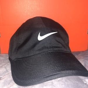 "Nike Black Dri- Fit ""Featherlight"" Cap"